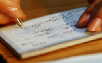 Μείωση 8,5% στις ακάλυπτες επιταγές τον Απρίλιο