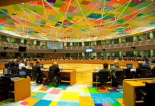 Ναυάγιο στο Eurogroup με την Ελλάδα να χάνει χρέος και ποσοτική χαλάρωση