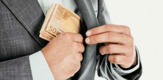 Με τον προϋπολογισμό οι λίστες για τη φοροδιαφυγή και το λαθρεμπόριο